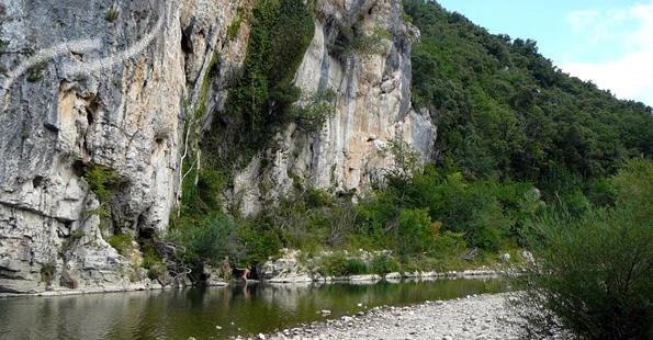 camping-languedoc-roussillon-mejannes-le-clap-la-genese-domaine-naturiste-27815-2